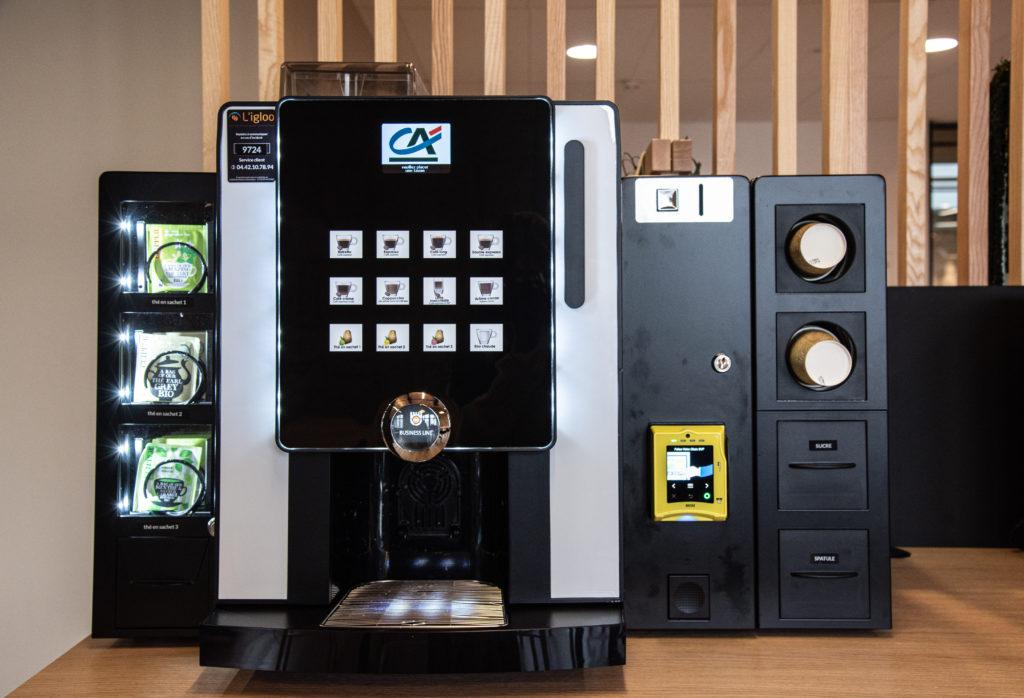 Machine à boisson chaude au siège du Crédit Agricole à Marseille